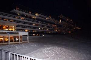 Le Brelin la nuit reste accessible par les pistes